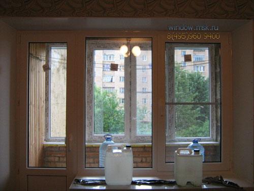 Теплое остекление Балкона пластиковыми окнами Rehau Blitz и Балконный блок окно после замены, монтажа и отделки откосов пвх, установки подоконника.