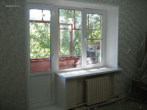 Балконный блок пластиковое окно после установки монтажа, отделки откосов пвх, установки подоконника.